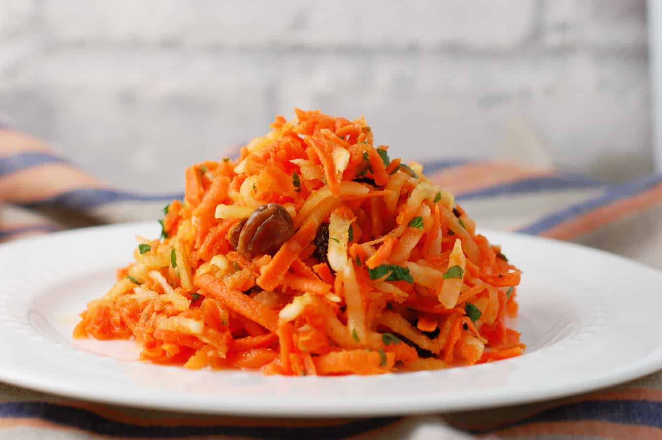 daikon carrot salad with raisins